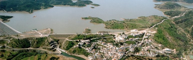 Vista aérea da Barragem do Beliche